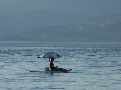 kavos_umbrella-fishing