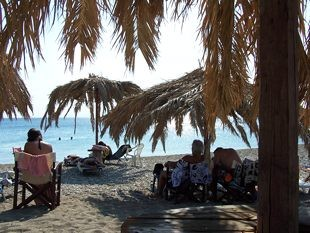 korogonas_charakia_beach_bar